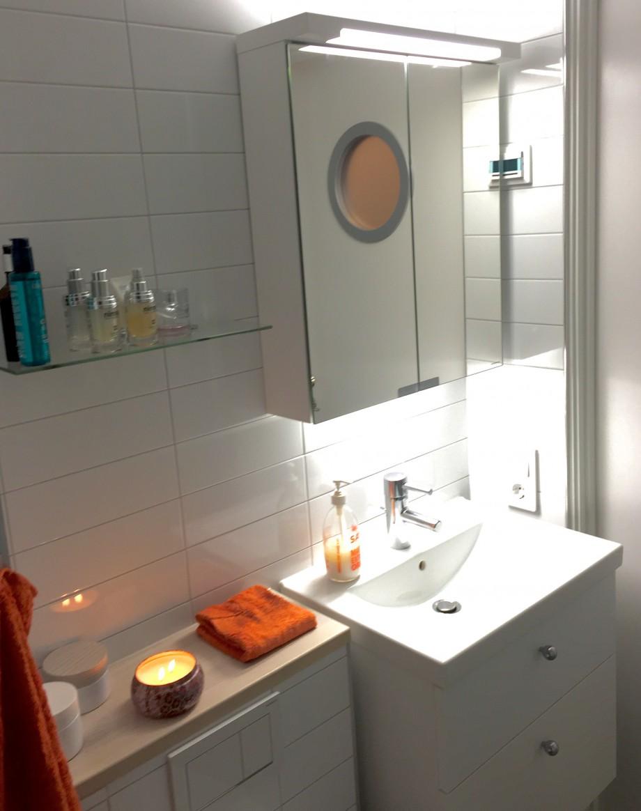 Padzeo myggnät fönster blandare badkar bauhaus badrumsskåp ljusgrått kakel glas till