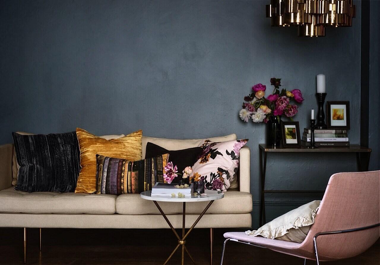 bla. Black Bedroom Furniture Sets. Home Design Ideas