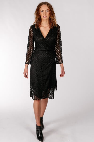 pw5915-crochet_lace_wrap_dress_black1