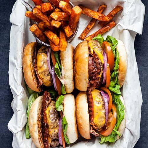 grillade-hamburgare-foto-nurlan-emir-mathem