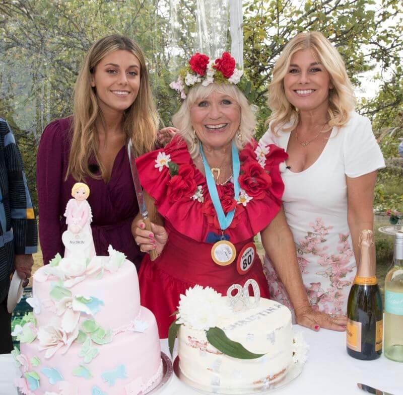 Följ med på mammas 80-årsfest i kväll i Säsongsavslutningen av wahlgrens Värld!